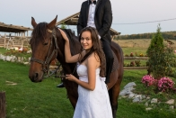 Andreia & Flavius si calul sedinta foto